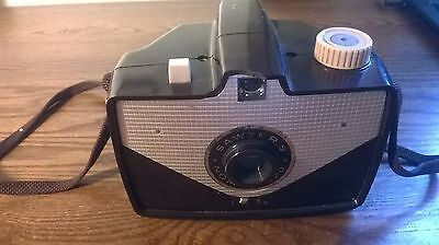 Vintage Sawyer's Nomad 620 Camera with Bakelite Case