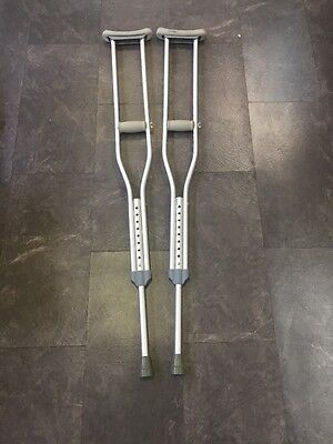 "Pair Of Two Silver Cushioned Adjustable Crutches 5'2"" - 5' 10"""