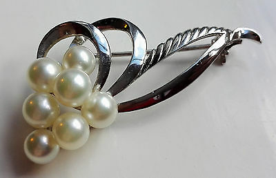 Vintage Elegant Unsigned Mikimoto Cultured Akoya Pearl Sterling Silver Brooch