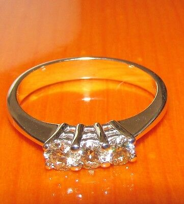 BEAUTIFUL SECONDHAND 14ct WHITE GOLD TRILOGY DIAMOND RING SIZE N1/2