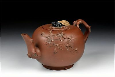 19th / 20th Century Chinese Yixing Teapot w/ Figural Fly Finial