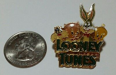 Warner Bros.1990 Looney Tunes Lapel Pin Syvester, Porky Pig & Twitty,Bugs Bunny