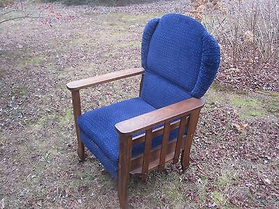 Antique Lounge Chair - Arts & Crafts Style