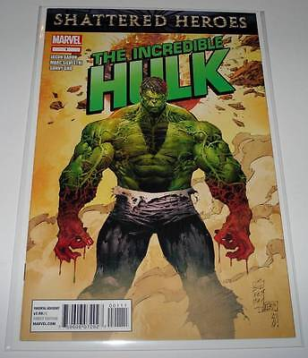 The Incredible HULK  # 1 Marvel Comic  December 2011  VFN/NM