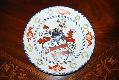 Superb Large Dresden Deruta Style Hand Painted Heraldic  Cabinet Wall Plate #4