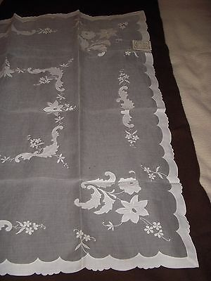 UNUSED MADEIRA Marghab Linen Tablecloth + Napkins Hand Embroidered Vintage TAGS