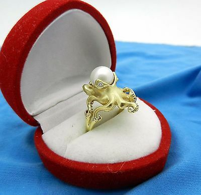 New and Absolutely Beautiful 750 (18k) Yellow Gold Natural Pearl OCTOPUS Ring