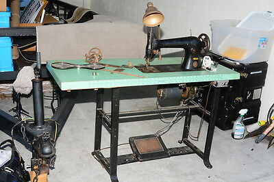 Singer 31-15 Industrial/Commercial Sewing Machine w/ Table & Motor - Working