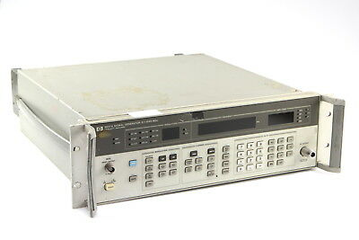 HP Agilent 8657A Signal Generator 0.1 - 1040 MHz USED WORKING