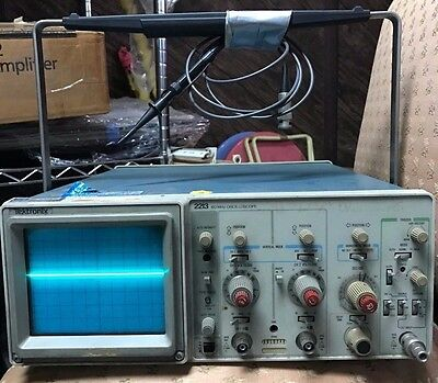 TEKTRONIX 2213 Analog Oscilloscope 60MHz 2 Channel
