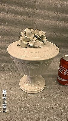 "1758M Vtg ITLAY 9"" Compote Gray-White Porcelain w/Flowers on Lid PERFECT !!"