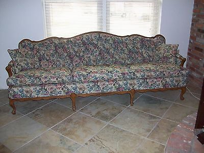 Vintage French Style Sofa with Tufted Diamond Back