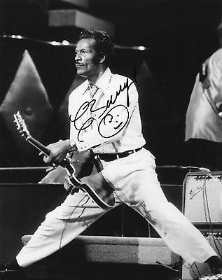 Authentic Rare Chuck Berry Signed 10 X 8 .real Signature..coa.