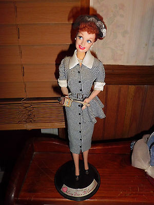 """"""" Lucy Does A Tv Commercial"""" Collector Edition 1997 Mattel Barbie"""