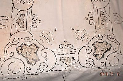 Stunning vintage Italian Point de Venise embroidered & cutwork linen tablecloth