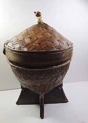 Vintage Old Chinese Hand Woven Bamboo  Basket With The Lid