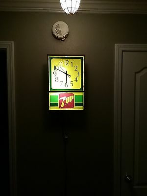 1970's Collectible Lighted 7-Up Clock