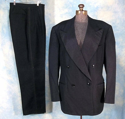 Wide Lapel 1947 Vintage Double Breasted Tuxedo Suit