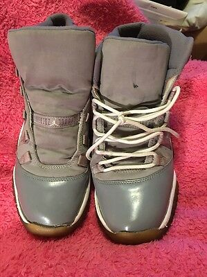 Nike Air Jordan Retro 11 - Size 7 1/2 Youth -Gray