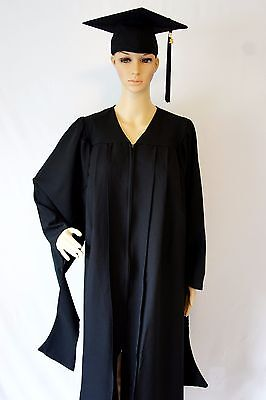 Deluxe Regalia Master CAP AND GOWN with 2017 Year Charm (Common Size)