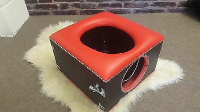 deluxe Smother toilet bowl box, red and black with locks and restraint points,,