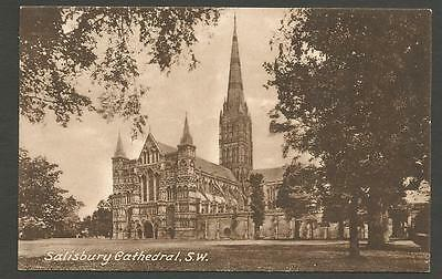 Real photo. Salisbury Cathedral. Used & posted (late 1920s). Good condition.
