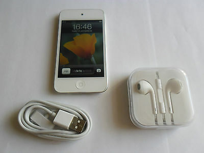 Apple iPod touch 4th Gen White (32GB) Mint Condition with Accessories Gift Idea