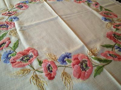 Red Poppy/Blue Cornflower & Wheat Circle ~ Vintage Hand Embroidered Tablecloth