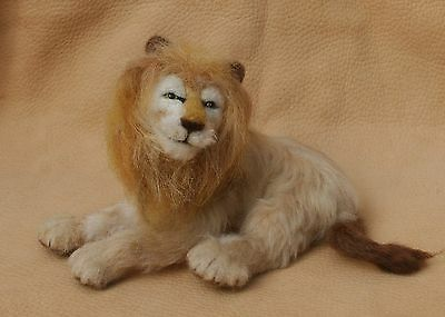 LION NEEDLE FELTED SCULPTURE POSEABLE  4 X 6 INCH One of a Kind Artist DAL