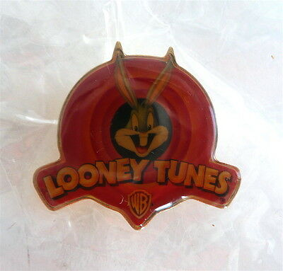 WB Warner Bros TM 1997 Bugs Bunny Looney Tunes Red Enamel Brooch Pin New