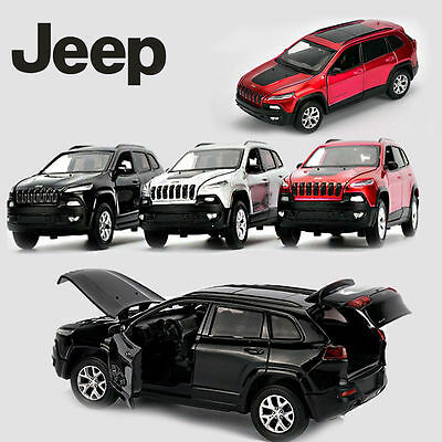 1:32 Jeep Cherokee Alloy Pull Back SUV Car Kid LED Light Toy Diecast Model Metal