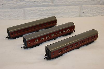 TT gauge 3mm GOOD/EXCELLENT 3x Triang Corridor Mainline Coach Comp Brake Maroon