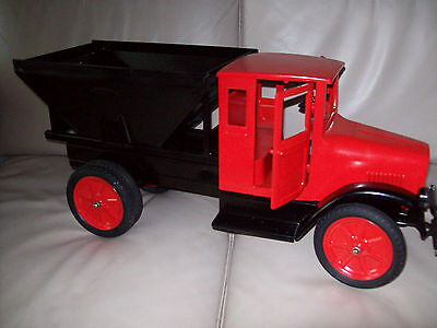 1920's BUDDY L COAL TRUCK -EXCELLENT QUALITY REPRODUCTION. MINT IN BOX!!