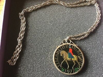 1977 Large Silver & Enamelled Queens Silver Jubilee Crown coin pendant & chain