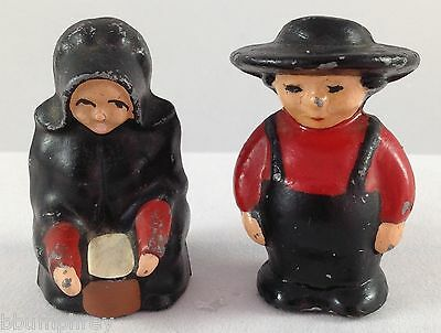 Cast Iron Salt and Pepper Shakers Set Amish Diecast