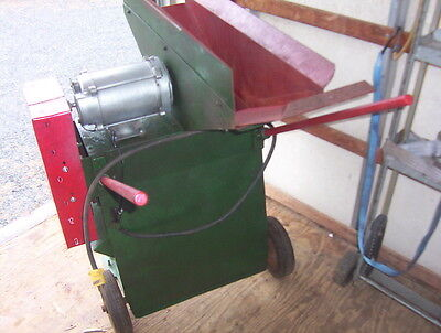 Corn, Mulch, Miscellaneous Grinder with 12 Blades, WW Grinder Mill Company