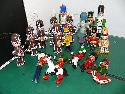 Vintage Lot Of 18 Wooden Toy Soldiers Christmas Tree Ornaments