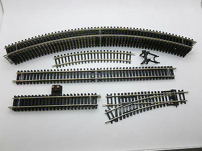 Hornby 00 Gauge Oval Circuit of Track + Point Siding & Buffer (New from Set)