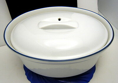 """Classic White Blue Trim Oval Covered Casserole Dish 9"""" Oval Vented Lid"""