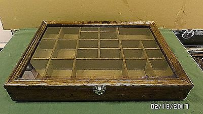 """1749M Vtg TAIWAN Glass Top Wood Display Case w/22 Compartments 16x12x2.25"""" EXC !"""