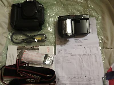 Canon Eos 1D Mark iii + Batterie + Chargeur + Notice + Sangle TBE