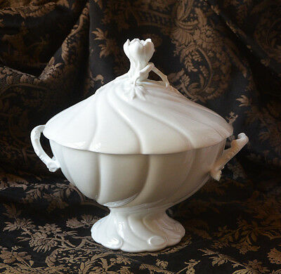 Classic French white ceramic/porcelain soup tureen, Limoges