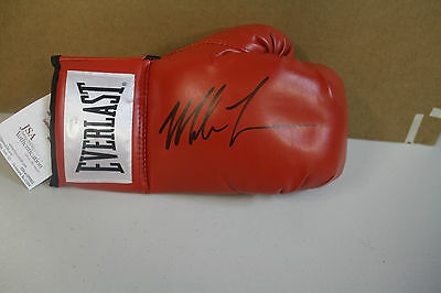 "Mike Tyson Signed Everlast Boxing Glove Former Champ ""iron Mike"" Jsa Certified"