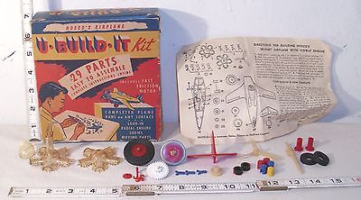 NOSCO'S AIRPLANE U-BUILT IT AIRPLANE PLAYSET KIT PARTS AND PIECES WITH BOX 1950s