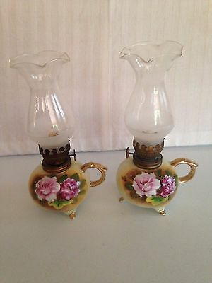 Set Of 2 Vtg Enesco E3317 Mini Footed Ceramic Oil Lamps Roses Floral Gold Trim