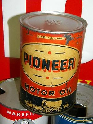 Early Pioneer 1 Quart Metal Motor Oil sign Can with Graphics