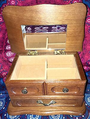 Vintage ~ Timber Wood Trinket Jewellery Box ~ Estate Collectable