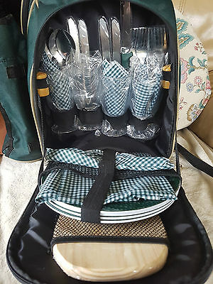 Hi Gear 4-person Picnic Backpack/Cool Bag – Good Condition