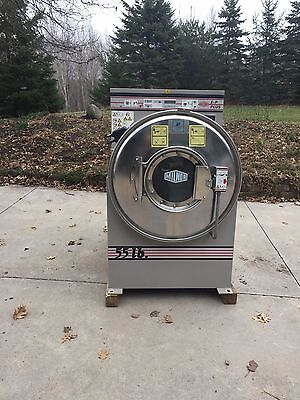 55Lb Milnor 30022M5J Washer Tested Working Great. Very Clean For being used