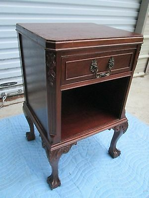 1940`s  BEAUTIFUL CHIPPENDALE / BALL & CLAW NIGHTSTAND / END / PHONE  TABLE